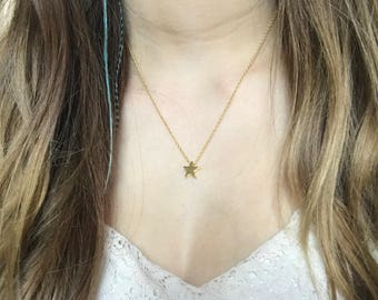 Gilt Gold Star pendant necklace