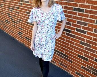 Vintage White Floral Print Dress // 90's Floral Print Sun Dress