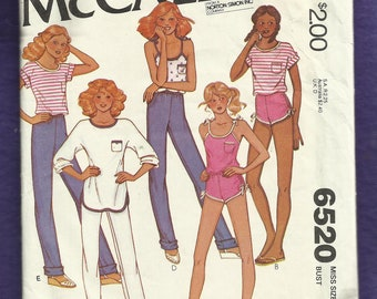 1979 McCall's 6520 Running & Workout Outfits Tees Tank with IPod Pocket Pants and Short Size 14