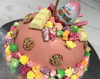 Kinder Surprise Smash Cake