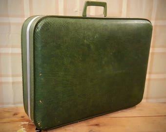 1970's Green JCPenney Hard Suitcase w/ Vinyl Interior