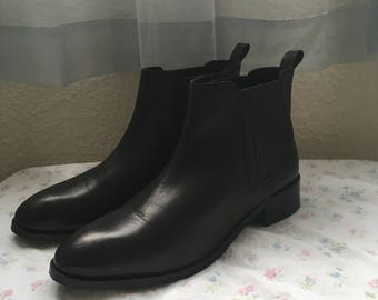 Women's Size 11 genuine leather chelsea boot Sale!