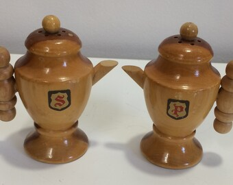 Wood Coffee Pot Souvenir Salt and Pepper Shakers 1000 Islands Boldt Castle