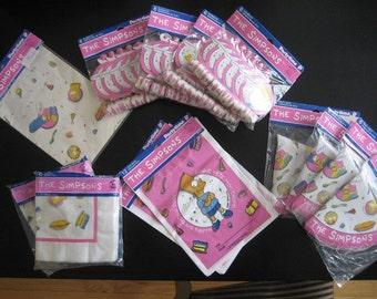 Années 1990 THE SIMPSONS Bart anniversaire Party Supplies - grande fête Lot de 24 comprend - chapeau, sacs à surprises, éruptions, serviettes de table et cadeaux