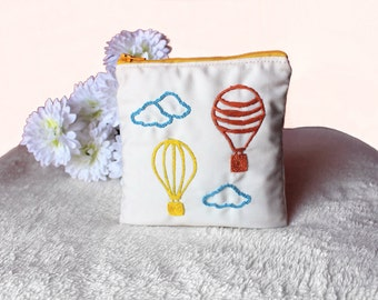 Air Balloon Embroidered Coin Purse ~ Zipper Wallet ~ Woman Zipped Pouch Air Balloons ~ Small Women Make Up Bag ~ Gift for Her