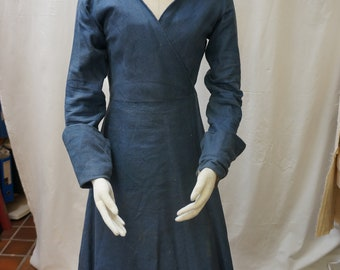 Early Tudor Cross-over Gown