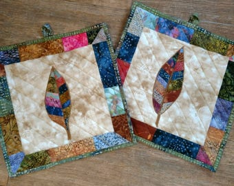 3 Piece Quilted Hot Pads and Trivet Set