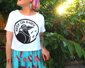 Keep On Raven Women's Cropped T-shirt, Cute Summer Crop Top, Raver Crop Top, Funny Screenprinted Rave Tee, Ladies Tshirt, Festival T-shirt