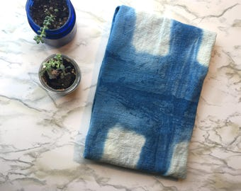 Blue and white kitchen towel, hand dyed flour sack dish towel, cotton tea towel, indigo, shibori