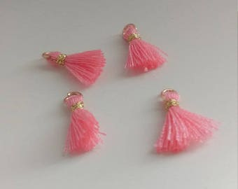 4 small pink tassel charms 1cm - Tassel pendant - Tassel charms - Small tassels - Tiny tassels - Earrings Bracelet findings [MC019]