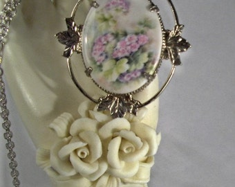 Delicate Pink  Flowers Cameo Necklace