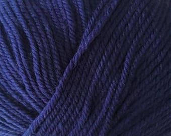 Blue Velvet Cascade 220 Superwash Yarn 220 yards 100% SuperWash Wool color 813