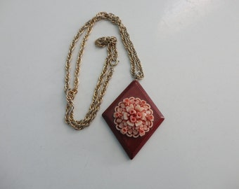 VINTAGE FLORAL and wood pendant NECKLACE
