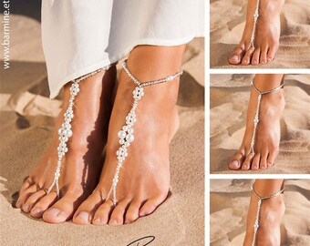 Wedding party set Bride jewelry Bridesmaid foot jewelry Barefoot sandals Pearl and crystal Footless sandals Bridal accessories Beach sandals
