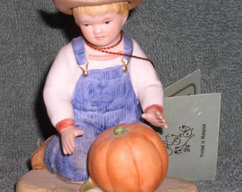 "Denim Days ""Harvest Helpers"" HOMCO Home Interiors Ceramic Figurine #1518 1985"