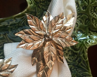 International Silver set of four Silverplated Silver Plate Poinsettia Napkin Rings Napkin Holders Holiday Christmas Farmhouse Chic  TYCAALAK