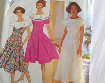 Simplicity7326 Miss Petite Dress, two lengths, collar. Size 6-14. RARE!