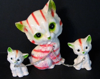 1960s Cat Mother and Kittens Figurines Japan Kitsch