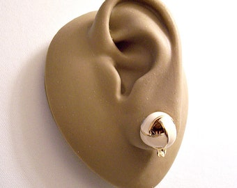 Monet Beige Knot Clip On Earrings Gold Tone Vintage Round Wide Band Small Weaved Ribs Striped Edges
