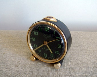 """Vintage alarm mechanical clock """"MIR"""" (peace). Rare alarm footed desk clock, working. Made in USSR by factory Moskovskij Chasovoj Zavod"""
