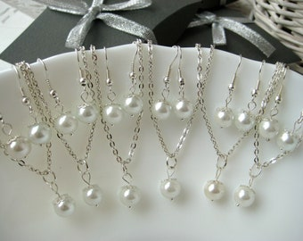 Set of 7 Bridesmaid Jewelry , White Pearl Necklace and Earring Sets, Bridesmaid Gift Set