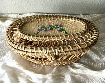 Delicate Vintage Basket with Purple Floral Embroidery / Small Woven Basket with Lid and Clasp