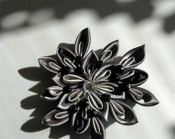 Elegant black and gray ribbon hairclip
