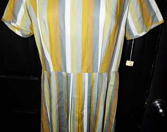 Vintage 1950s Striped  Dress  Vintage size 18 Deadstock new with tags