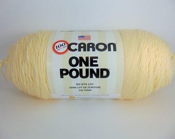 Cream Caron - One Pound worsted weight 100% acrylic yarn - 4065