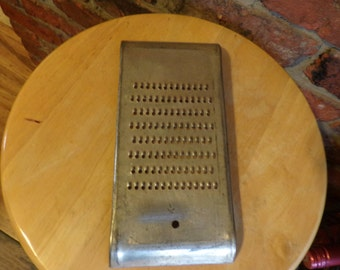Vintage Dan Dee Grater, 1930's Cheese grater, Rustic kitchen décor, farmhouse, metal, kitchen, Made in the USA