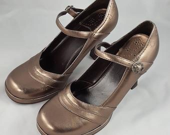 Vintage Mary Janes, Bronze, Size 7.5, Candies, metallic, buckle, vegan, platform,