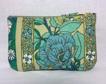 Vintage zip purse 1970s fabric Scandinavian style print, make up bag, clutch bag, pouch wristlet