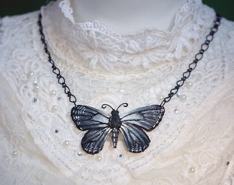 Butterfly Necklace Gray 7, 3cm