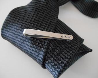 Personalized Men's Tie Bar, Monogram Men's Personalized Tie Clasp, Men's Personalized Tie Clip, Groomsmen Gift, Custom Tie Clip