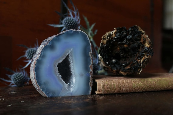 Blue Small Agate Geode 315g, Small Geode, Raw Agate, Agate Druzy, Agate Crystal, Little Geode,  Mini Agate Geode, Collectible Geodes