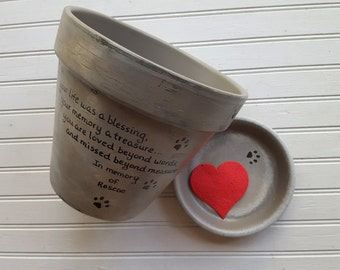 Pet Memorial Gifts - Painted Flower Pots - Dog Memorial - Cat Memorial - Pet Sympathy Gifts - Pet Memorial Planter - Planter with Paw Prints