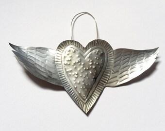 Winged heart, 18 cm across