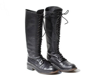 Vintage Women's Black Leather Knee High Lace Boots / size 7