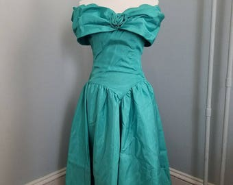Vintage 1980's/1990's teal formal gown, prom dress, bridesmaids dress