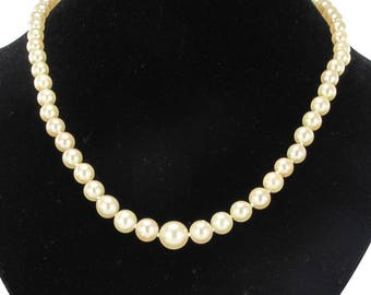 The Japan yellow 18K gold plated Vintage classic cultured pearl necklace