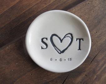 Wedding Gift, ring holder, ring dish, engagement gift, Personalized Pottery, Black, White, ring bearer bowl