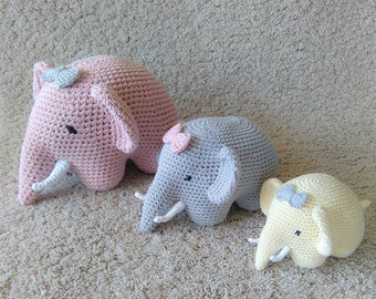 Nursery decor, crochet nursery  decor, crochet elephant in 3 sizes, crochet toys, set of 3
