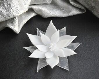Poinsettia Soap, Unique Wedding Favor, Unique Bridal Shower Favor,  Gifts Under 5 - Decorative Christmas Soap, Holiday Party Favors