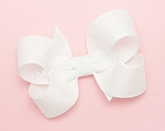White Hair Bow, 3 inch Grosgrain Bow, White Boutique Bow, Basic Bow for Baby Girls, Toddler Hair Bow, Christening Bow, Baby Bow