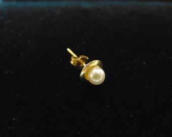 Single Vintage Estate 14K Yellow Gold Stick Earring w/ Pearl ? .4g E2485