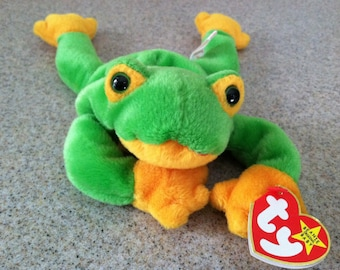 Vintage Smoochy the Frog Beanie Baby