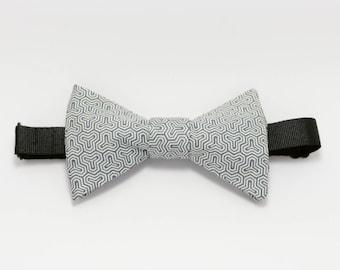 "Grey bowtie: ""Sample"""