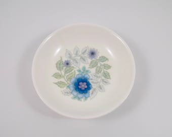 Wedgwood Bone China,England,Clementine pattern,ring dish,trinket dish,jewelry,floral design,vintage,bone china,english porcelain,night stand