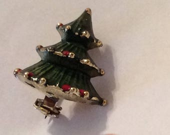 Little Green Enamel Christmas tree lapel pin, Christmas Brooch, Vintage Christmas, Vintage Jewelry