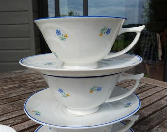 Eight Art Deco fine porcelain teacups made in Czechoslovakia